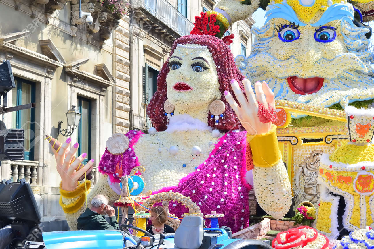 Acireale (CT), Italy - 29 April 2018: detail of a flowery float depicting various characters of fantasy during the parade of the flowers festival along the streets of Acireale. - 105184314