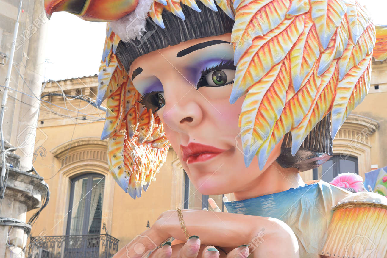 Acireale (CT), Italy - February 16, 2020: detail of a allegorical float depicting Cleopatra during the carnival parade along the streets of Acireale. - 141805579