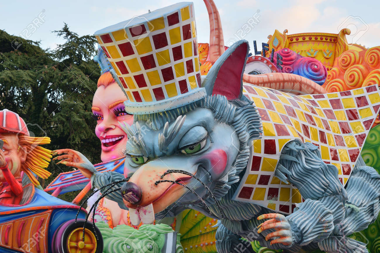 Acireale (CT), Italy - February 16, 2020: detail of a allegorical float depicting a mouse during the carnival parade along the streets of Acireale. - 141805605