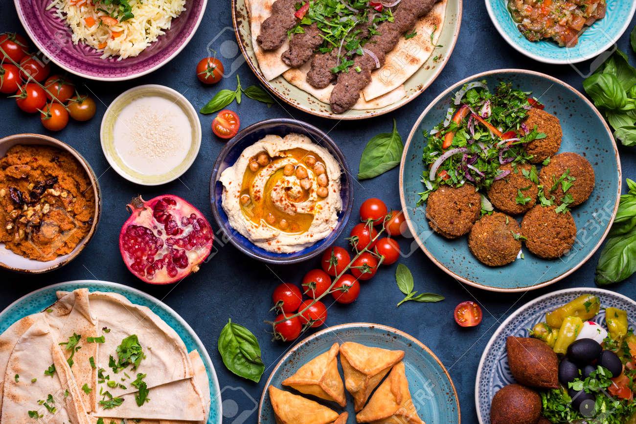 Mittlere östliche Oder Arabische Gerichte Und Sortierte Meze ...