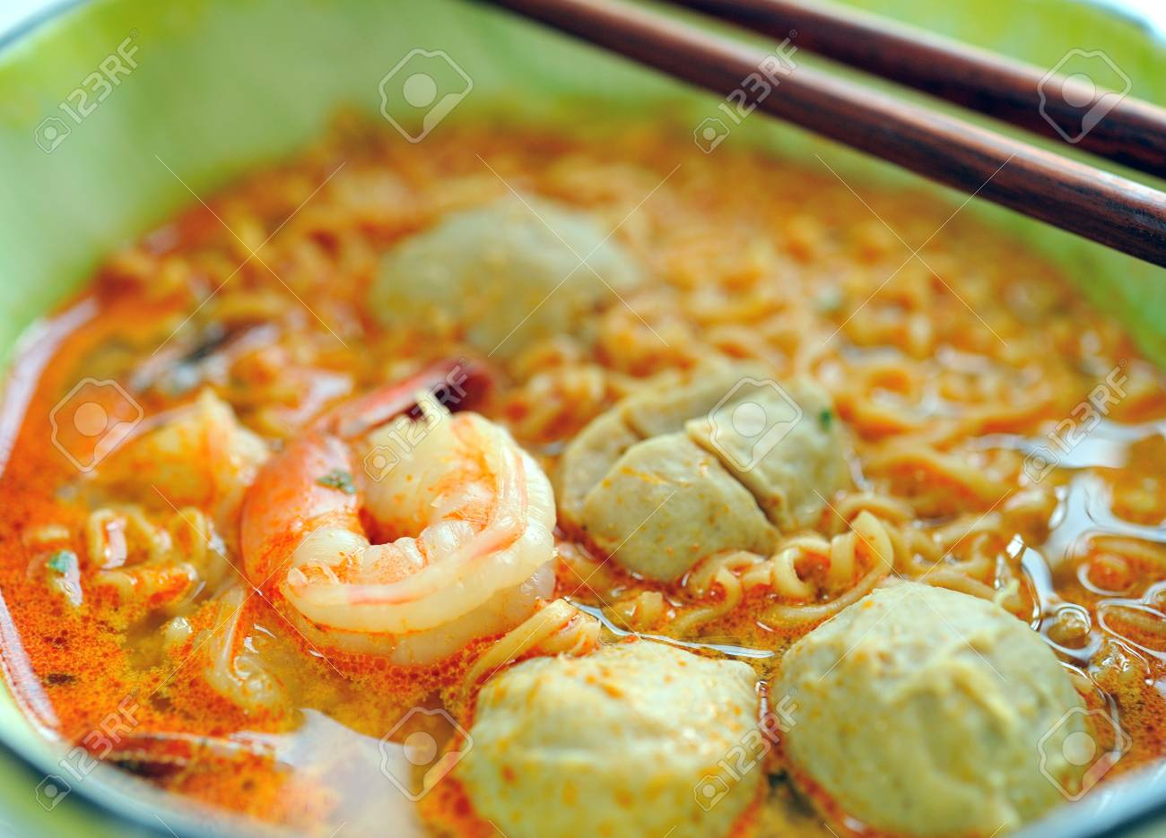 prawn mee, prawn noodles Stock Photo - 12349997