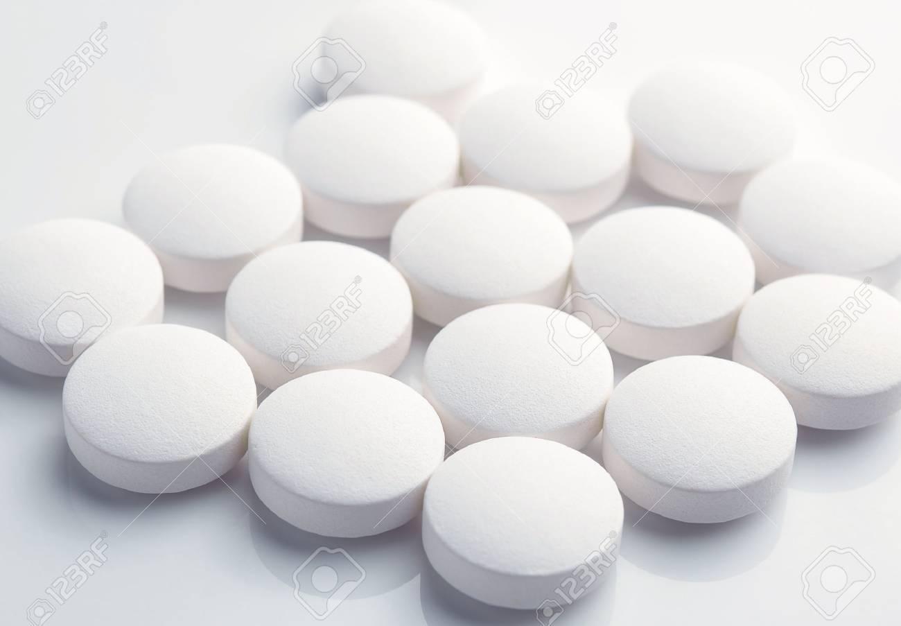 white pills - 46516951