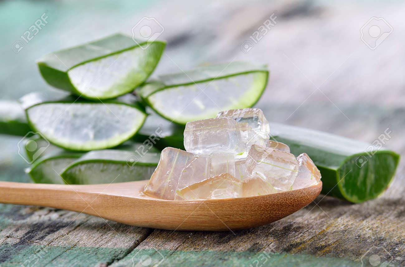 Aloe Vera use in spa for skin care - 47729214