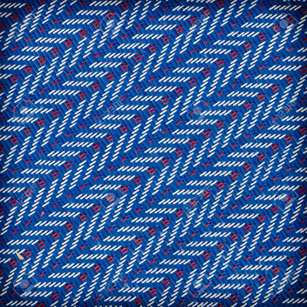 Deux Couleurs De Tapis En Plastique Tisse Rouge Et Bleu