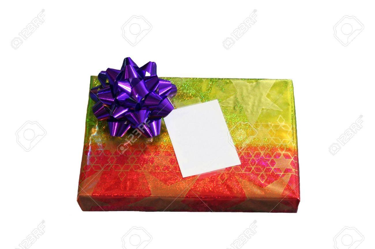 Isolé Cadeau De Noël En Aluminium Coloré Wrap Feuille De Proue Et La Carte Vierge
