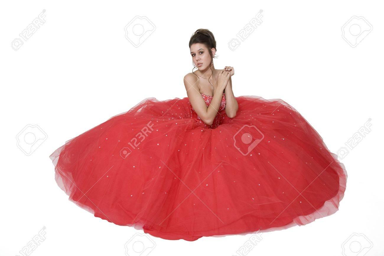 Teenager-Mädchen Posiert In Ihrer Graduierung / Prom Kleid Vor Einem ...