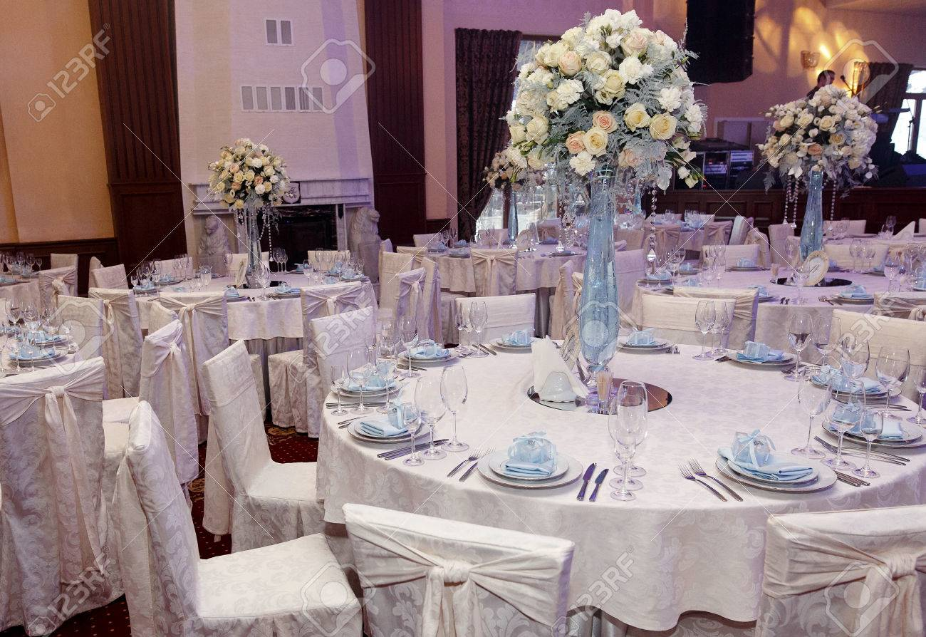 Awesome Luxury Decorated Tables At Rich Wedding Reception. Stylish Arrangements Of  Flowers And Jewels On Table