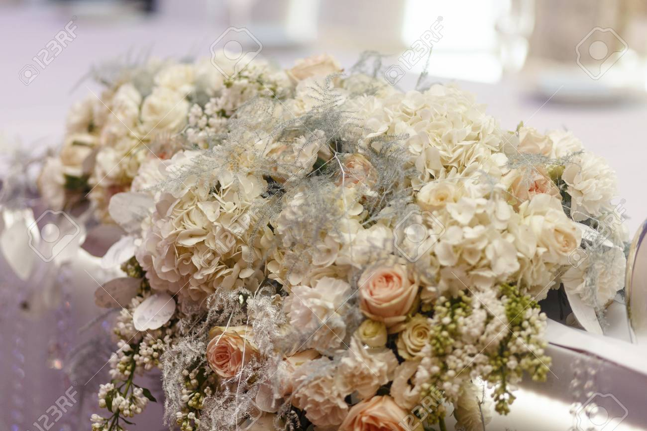 Luxury Decorated Tables With Hydrangea And Roses At Rich Wedding