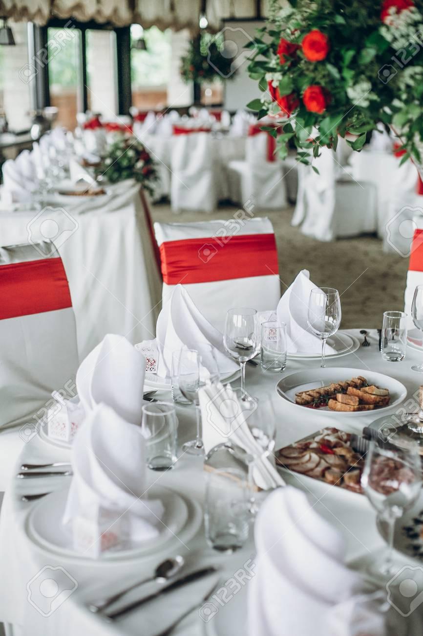 Stylish Wedding Table Setting Elegant Wedding Table With Red