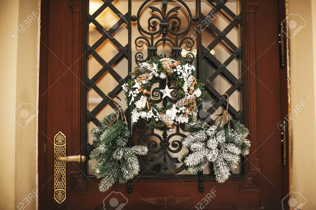 Christmas Street Decor Stylish Christmas Rustic Wreath With