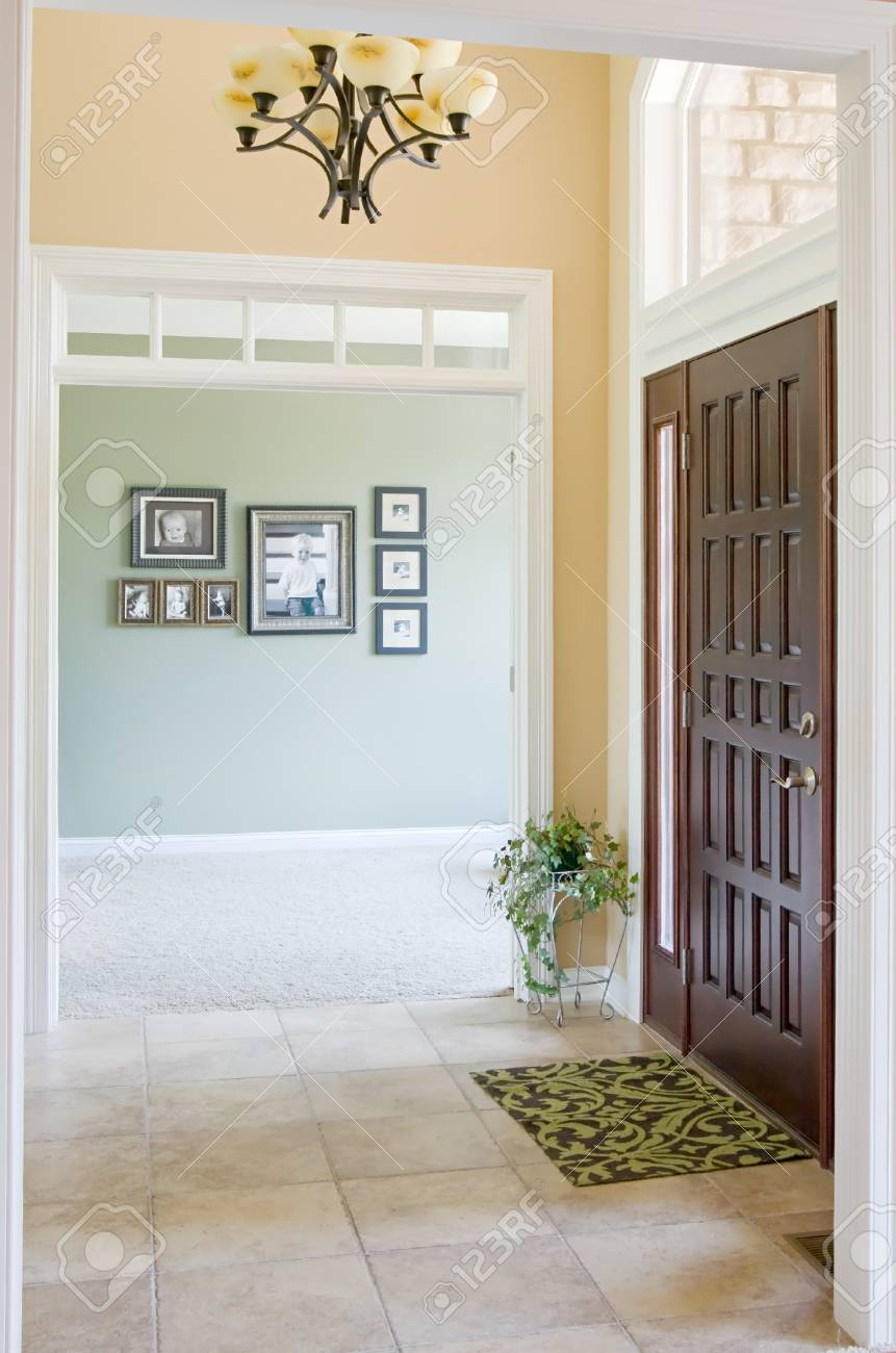 Front Entrance to Home - 4541024