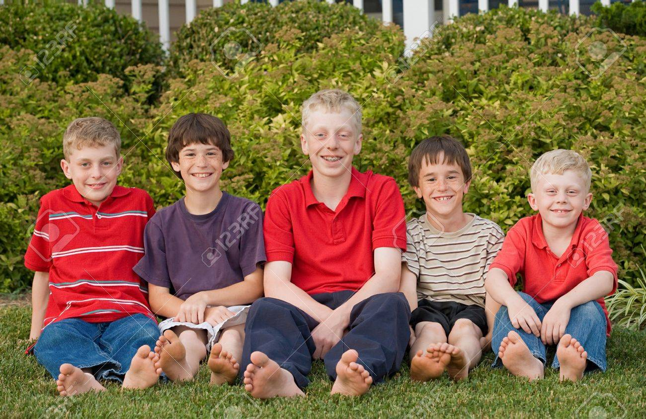 Five Cousins Having Fun Together Stock Photo - 7523376
