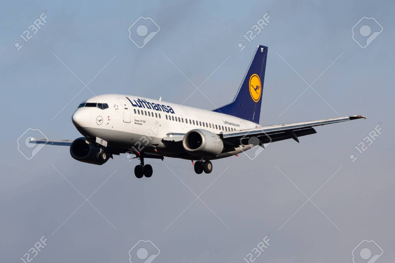 Frankfurt Germany December 4 2012 Lufthansa Boeing 737 500 Stock Photo Picture And Royalty Free Image Image 147924023