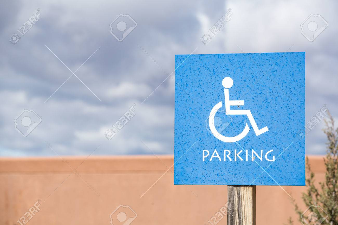 Parking Reserved For Disabled People. Road Sign Fotos, Retratos ...