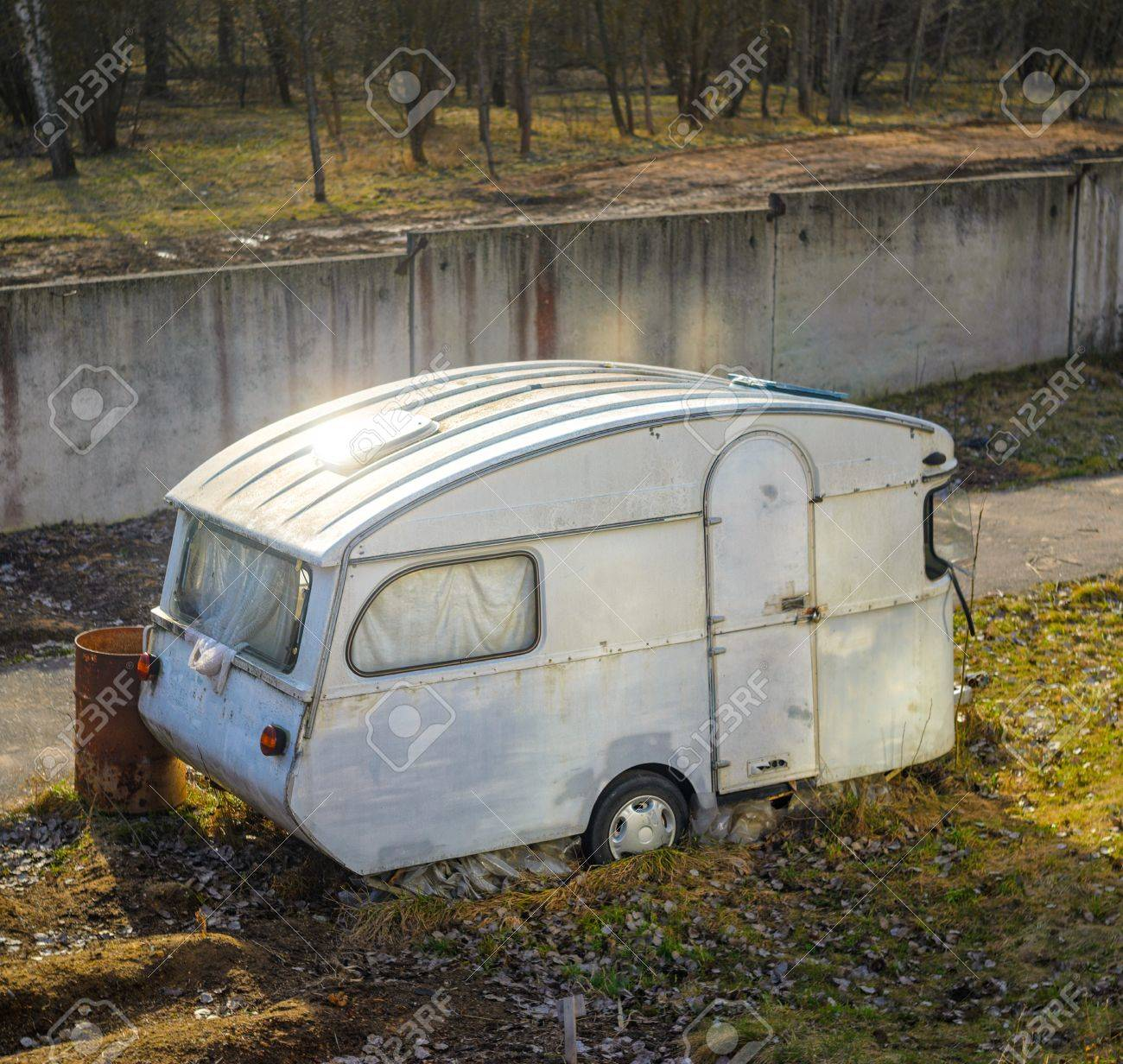 Old Vintage Abandoned Mobile Home Trailer House Camper on mobile cars commercial, mobile health, heales is home commercial,