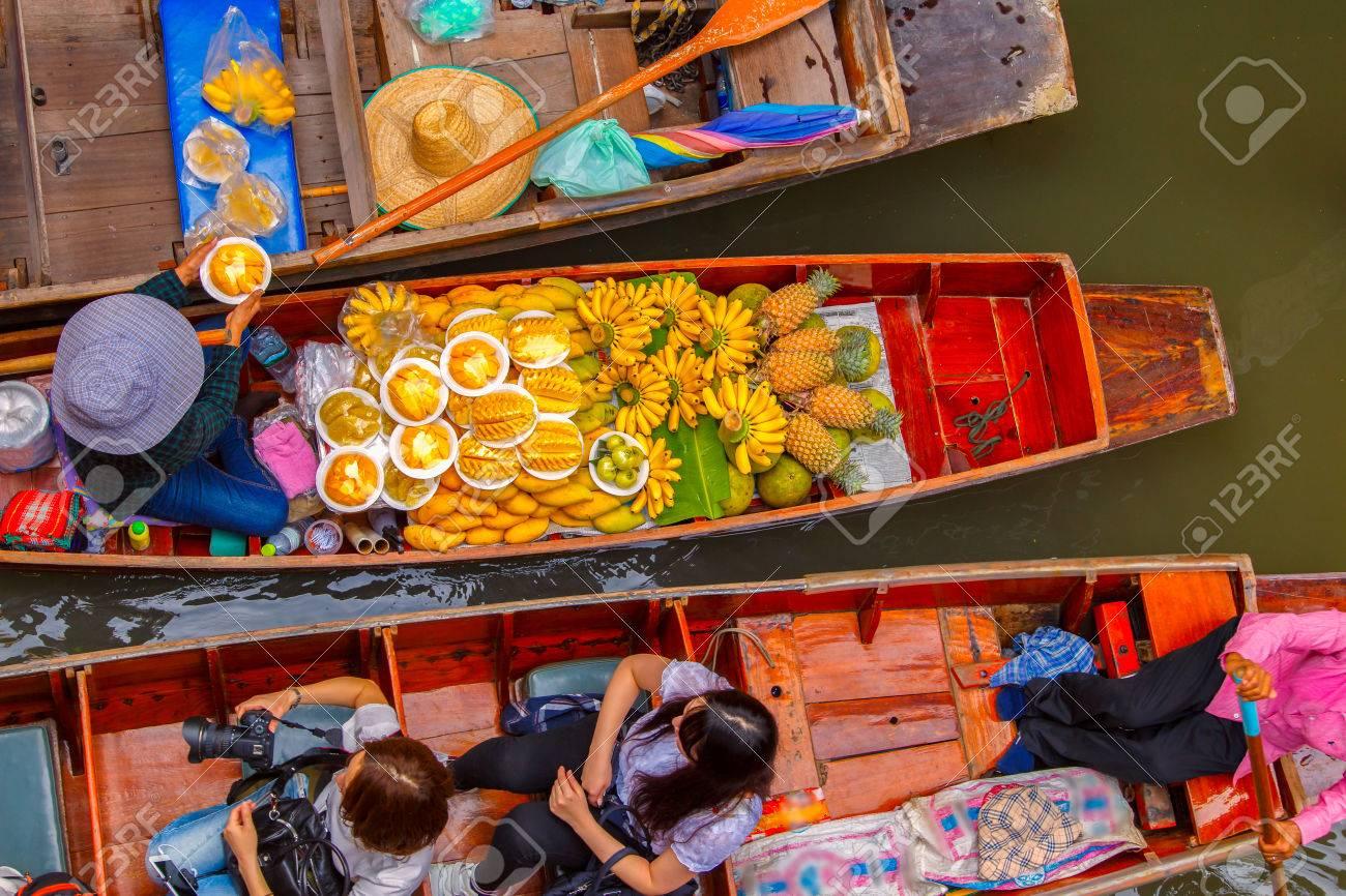 Damnoen Saduak floating market in Ratchaburi near Bangkok, Thailand - 58188442