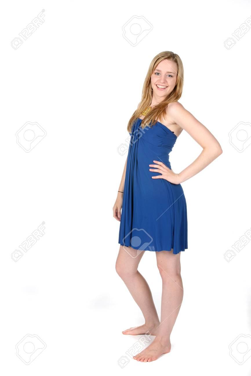 614ae337d Foto de archivo - Muy joven en el vestido corto de color azul