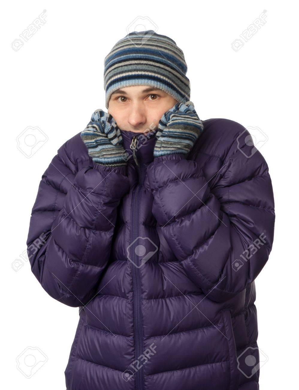 Homme En Vêtements D hiver Grelottant De Froid Banque D Images Et ... aa93872425d