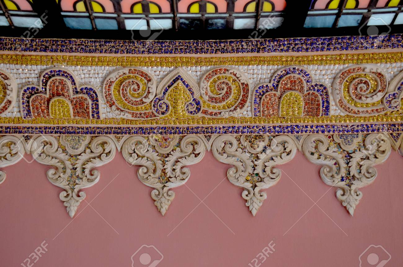 Thai mosaic Stock Photo - 18179802