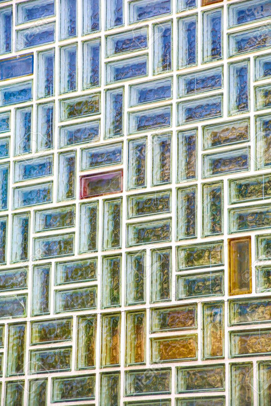un fondo de pared de ladrillo de vidrio exterior foto de archivo