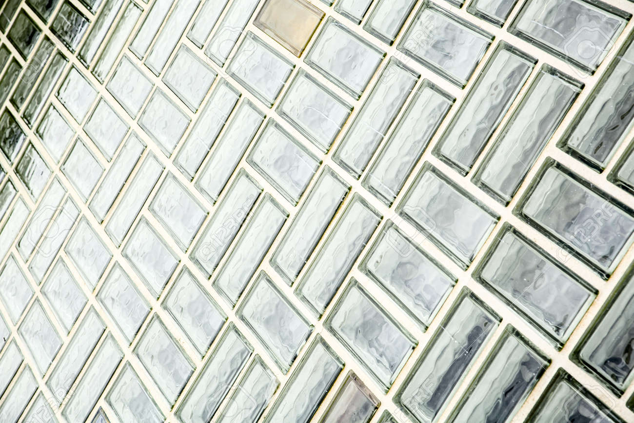 foto de archivo un fondo de pared de ladrillo de vidrio exterior