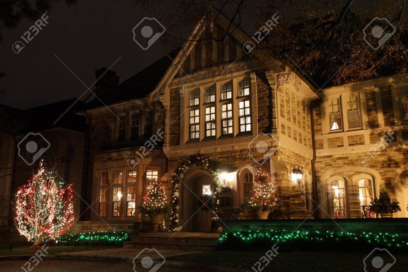 Christmas In Toronto Canada.Toronto Canada December 2010 House With Christmas Lights