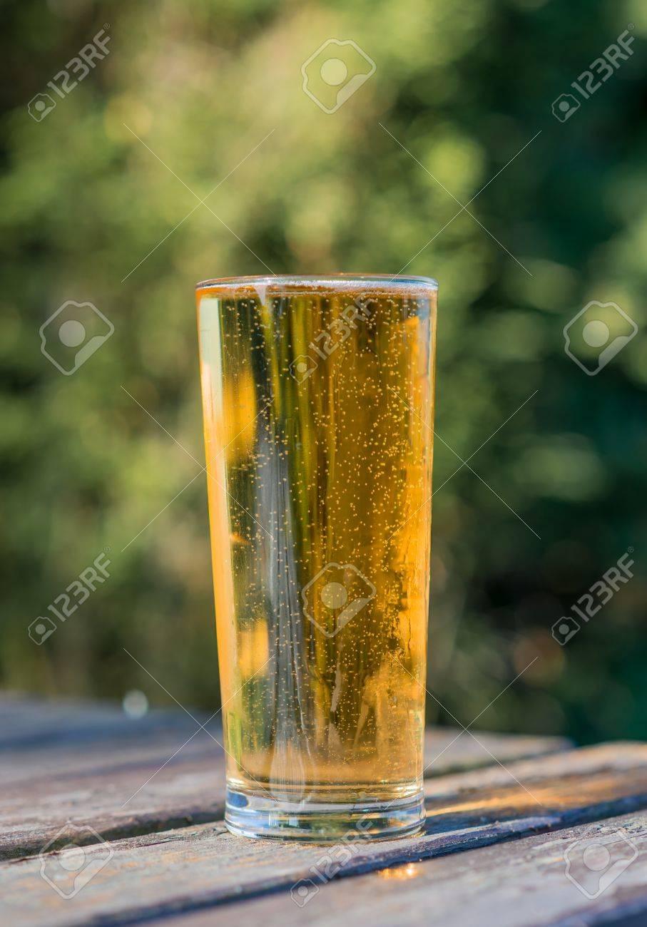 1 パイントのビール ガーデン テ...