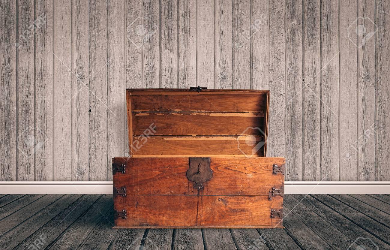 treasure box stock photos u0026 pictures royalty free treasure box