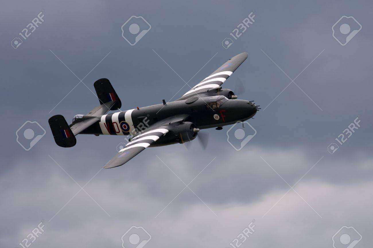 St. Thomas, Canada - June 25, 2011: A World War II B-25 Mitchell bomber flies past at the Great Lakes International Air Show.  Stock Photo - 10052303
