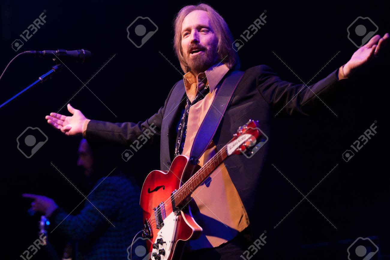 Tom Petty And The Heartbreakers Perform At Budweiser Gardens Stock Photo Picture And Royalty Free Image Image 20398390