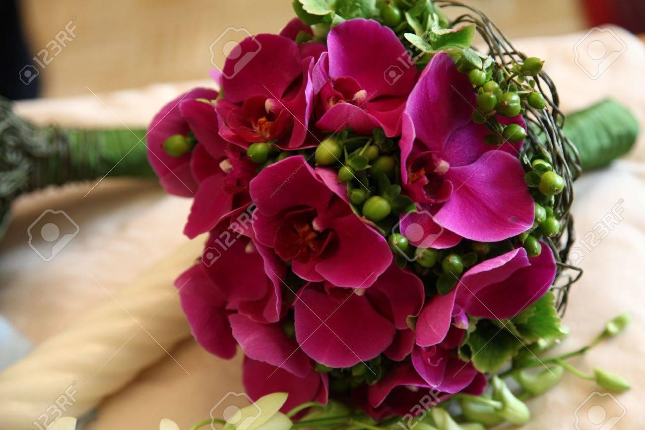 Schone Brautstrauss Mit Phalaenopsis Orchideen Blumen Lizenzfreie