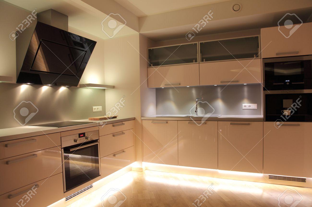 Awesome Illuminazione Cucina Moderna Ideas - Acomo.us - acomo.us
