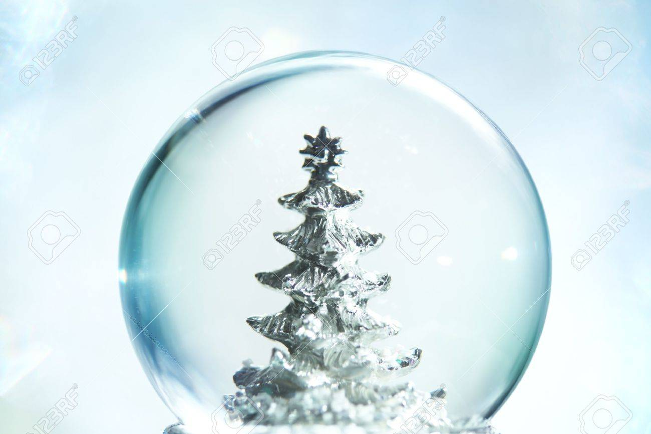 Snow globe with Christmas tree Stock Photo - 8186302