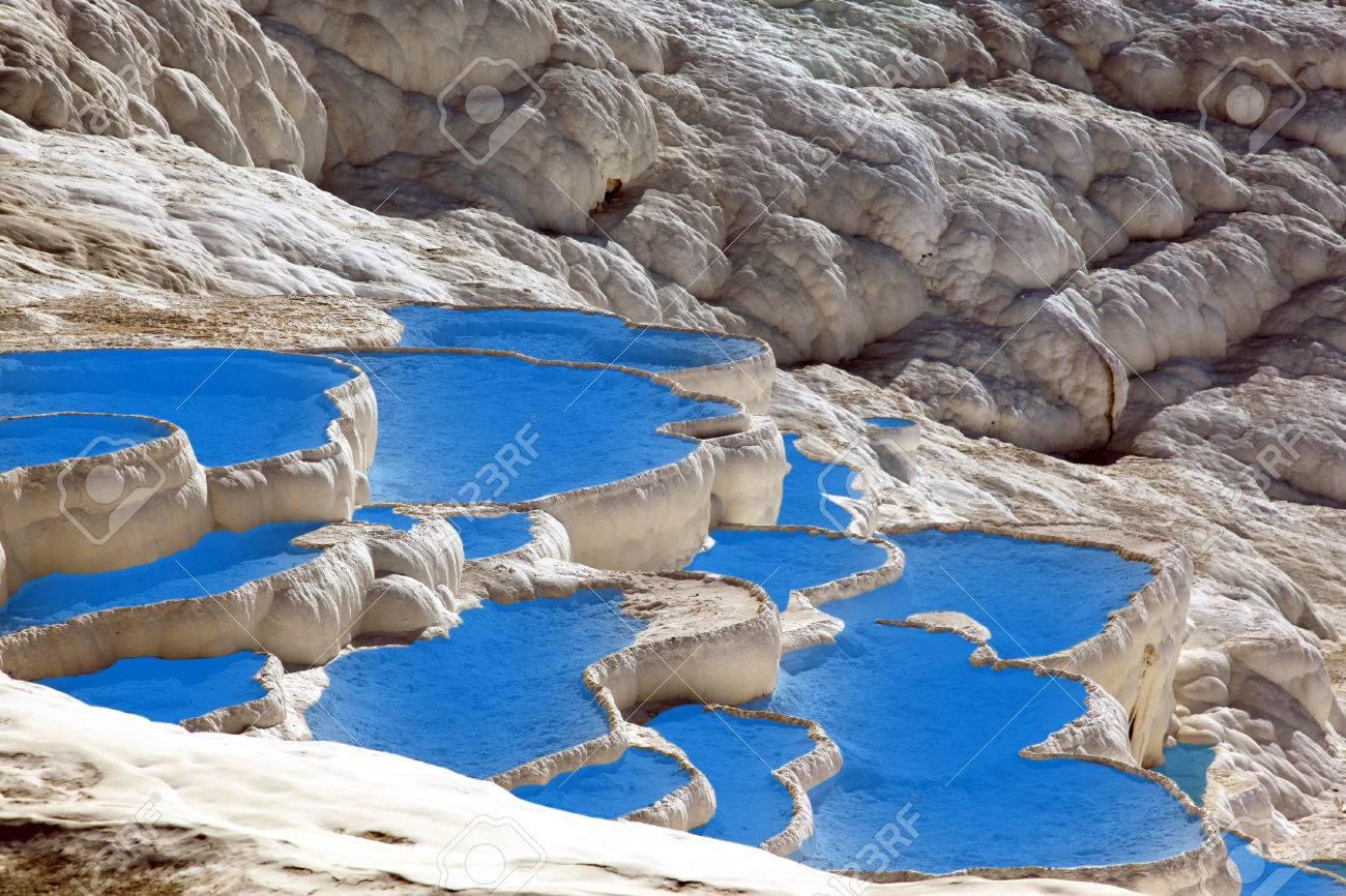 Travertino Piscinas Naturales Y Terrazas En Pamukkale Turquía