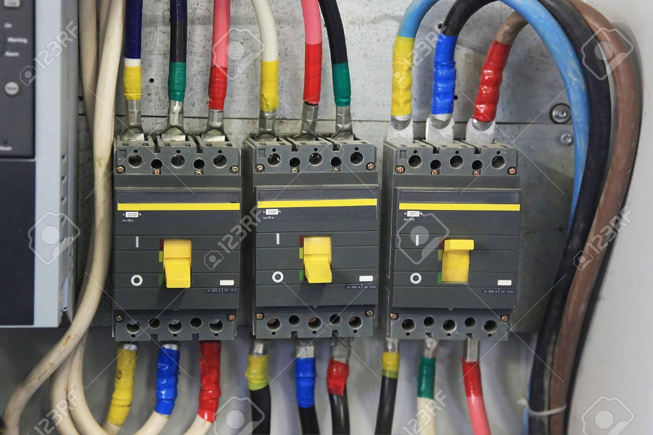 200 Amp Circuit Breaker Drei Phasen. Leistungsschalter Auf ...