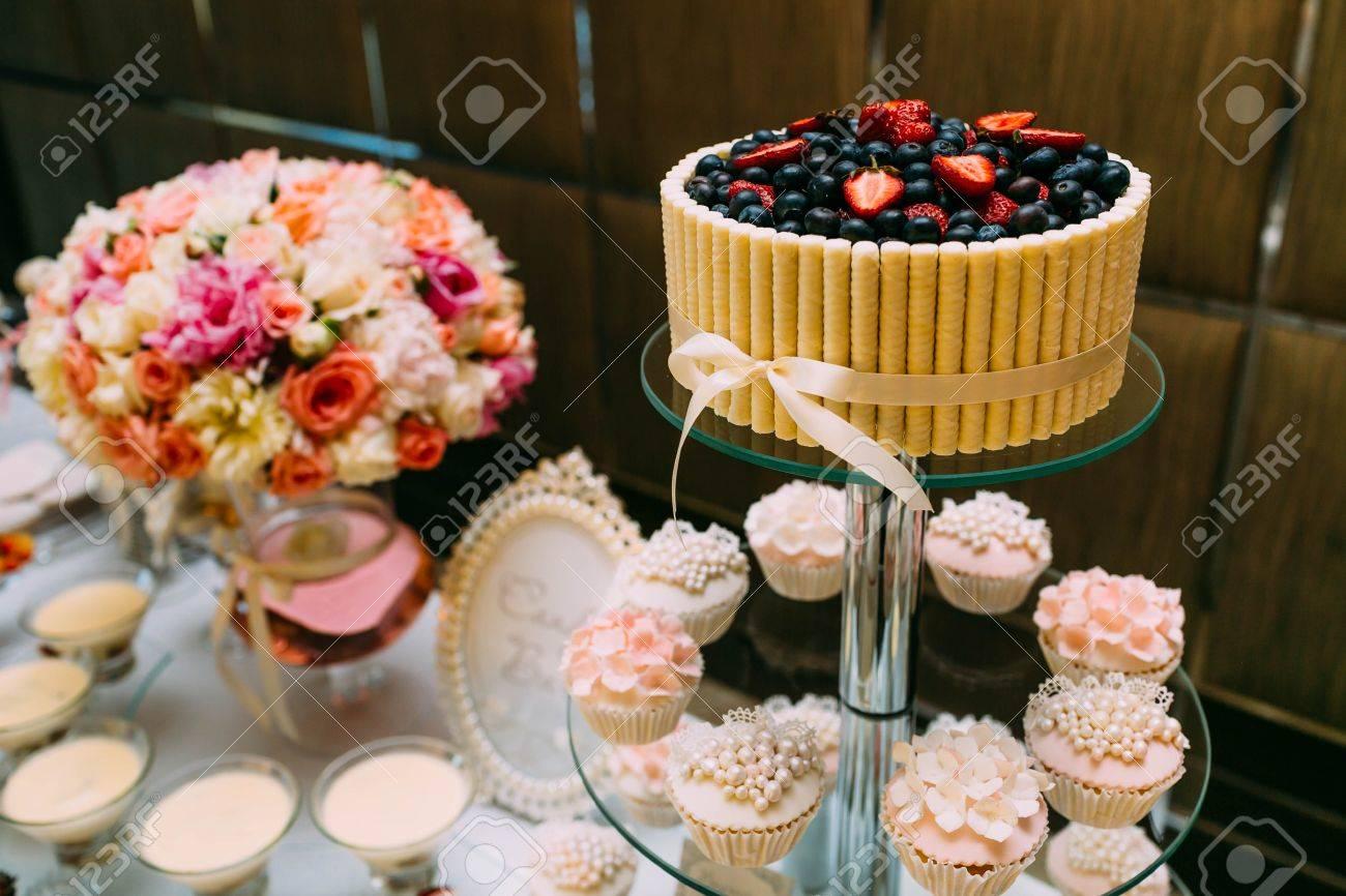 Schokoriegel Kostliches Susses Buffet Mit Cupcakes Und