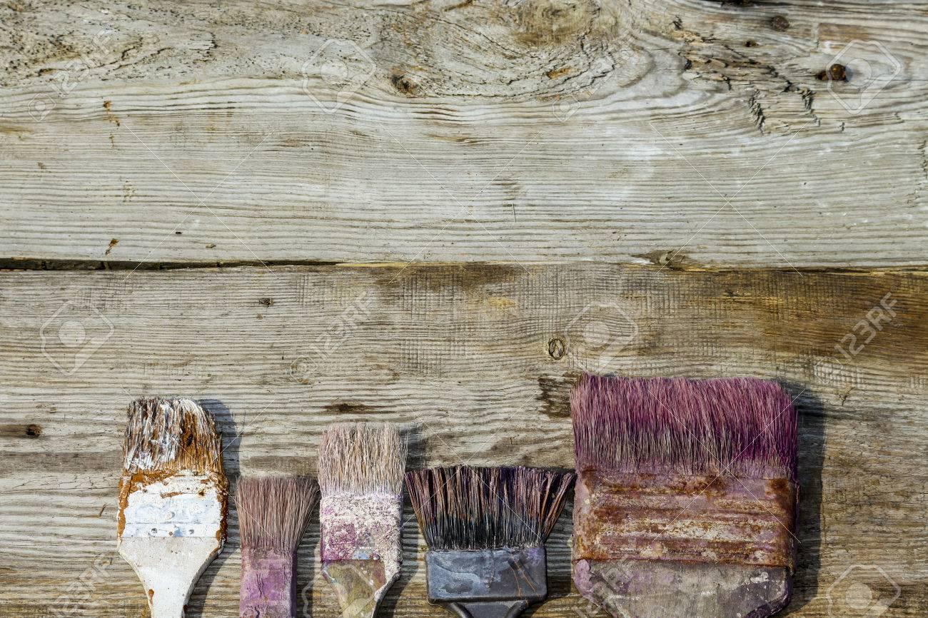 Brosse Occasion Sur Fond De Bois Réparation Peinture Mise à Jour