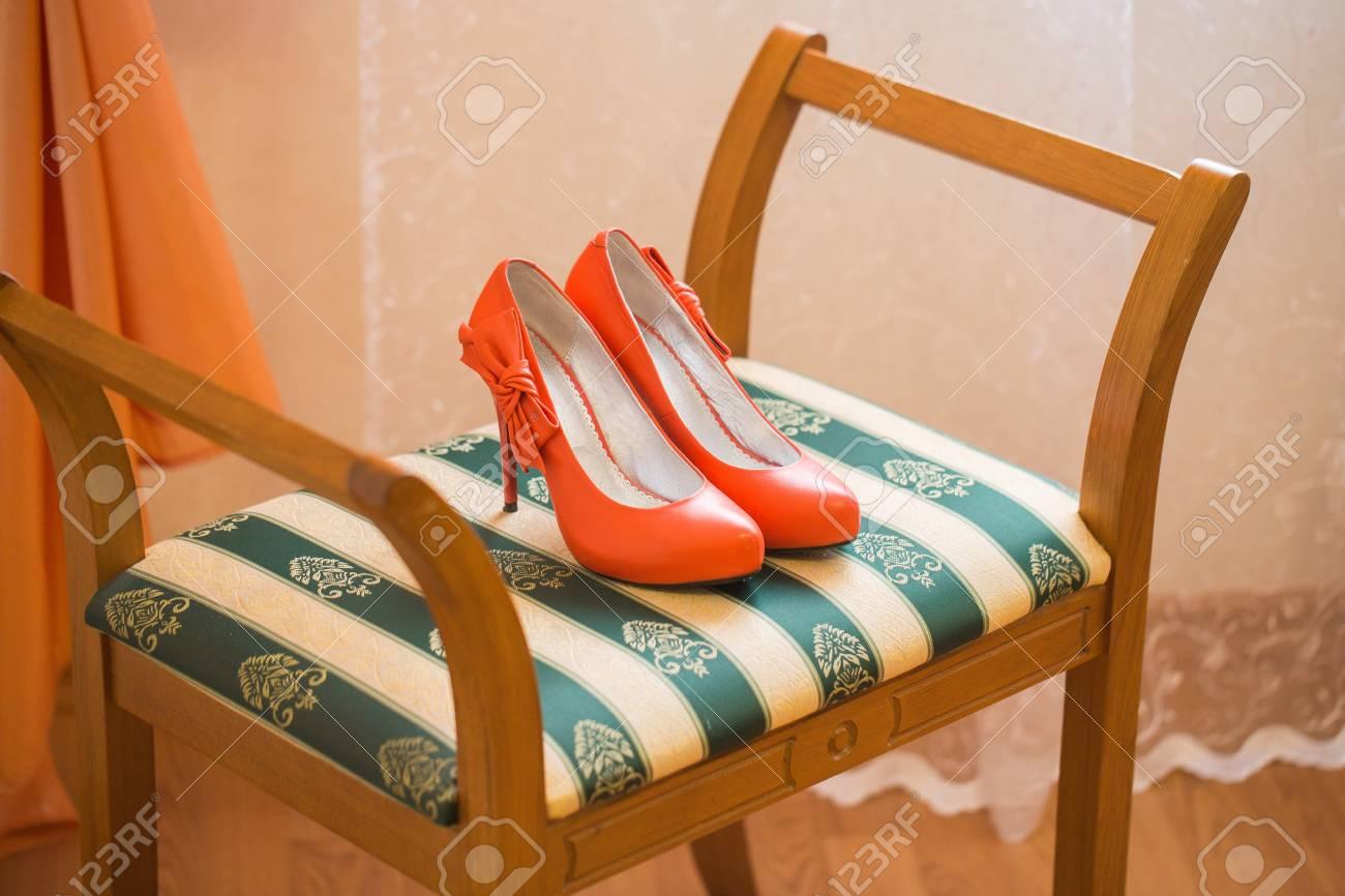 Chaussures Mariée De Mariage Corail Sur La Rassemblements Les rnrvBfwqx