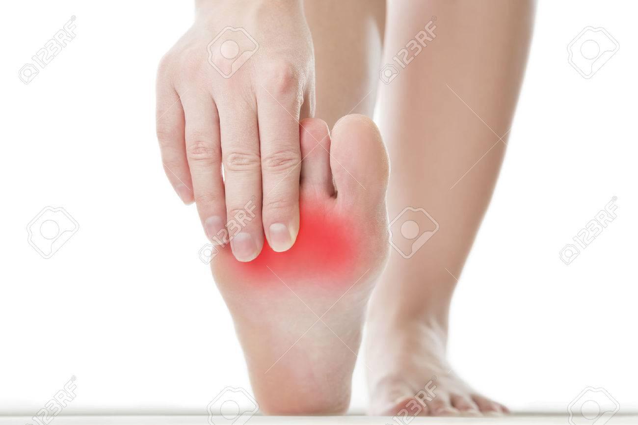 pieds feminins