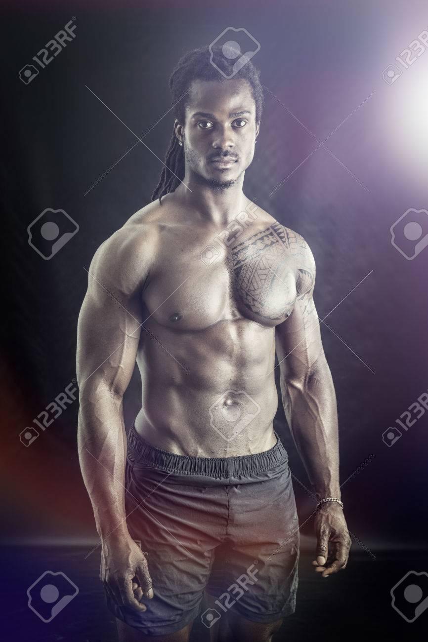 hombre solo torso