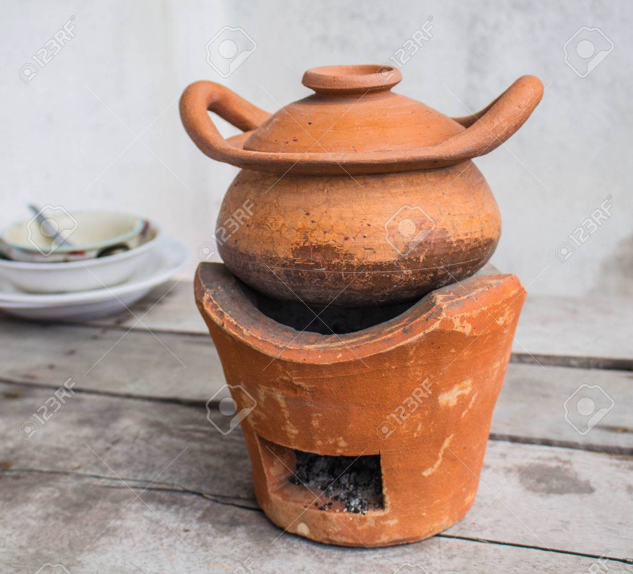clay pot cooking set Set oven and traditional clay pot cooking.