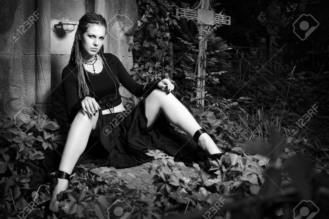 Kostenlose Bilder von jungen Gothic Girls — foto 10