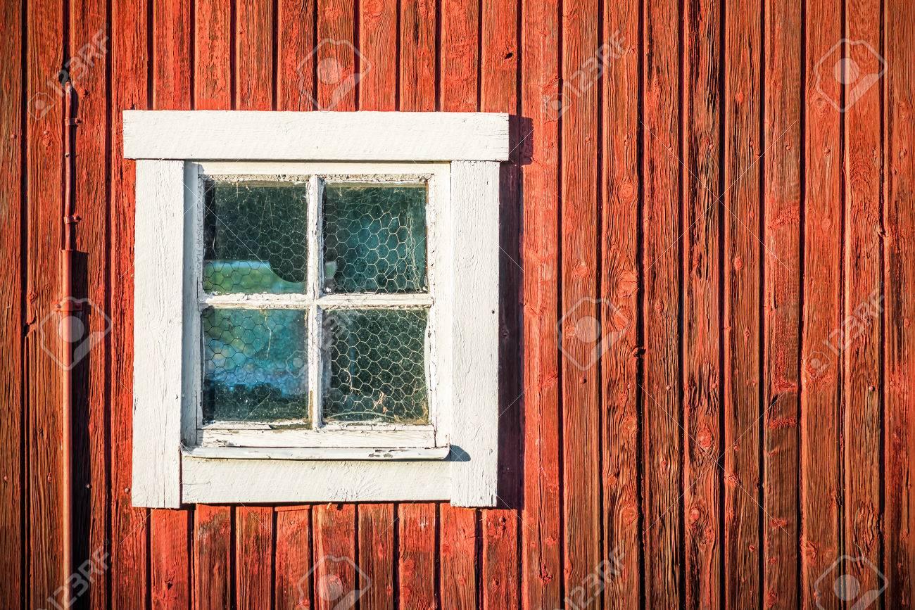Super Close Up De La Fenêtre Carrée Blanche Dans La Vieille Mur Rouge De  JX85