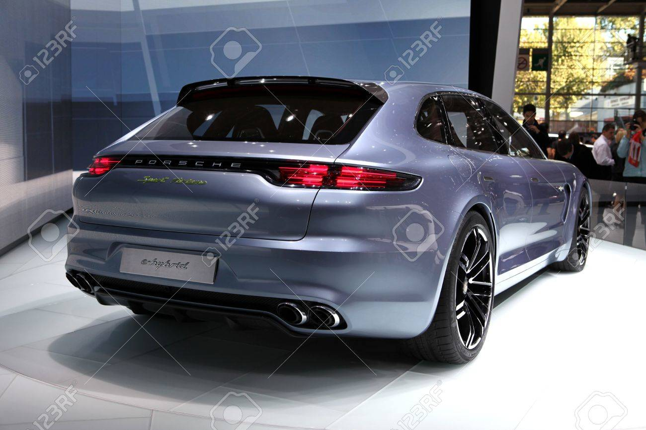 The new porsche panamera sport turismo concept displayed at the the new porsche panamera sport turismo concept displayed at the 2012 paris motor show on september sciox Image collections