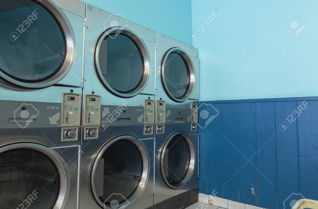 Wasche Waschen Und Trocknen Trocknereinheiten Entlang Der Insel Und