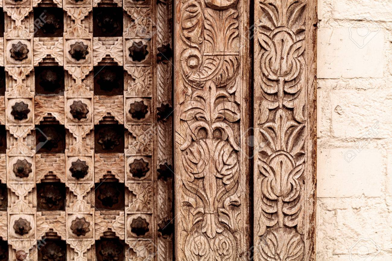 Moroccan antique wood texture door background with iron rings and bolts  Stock Photo - 63996958 - Moroccan Antique Wood Texture Door Background With Iron Rings