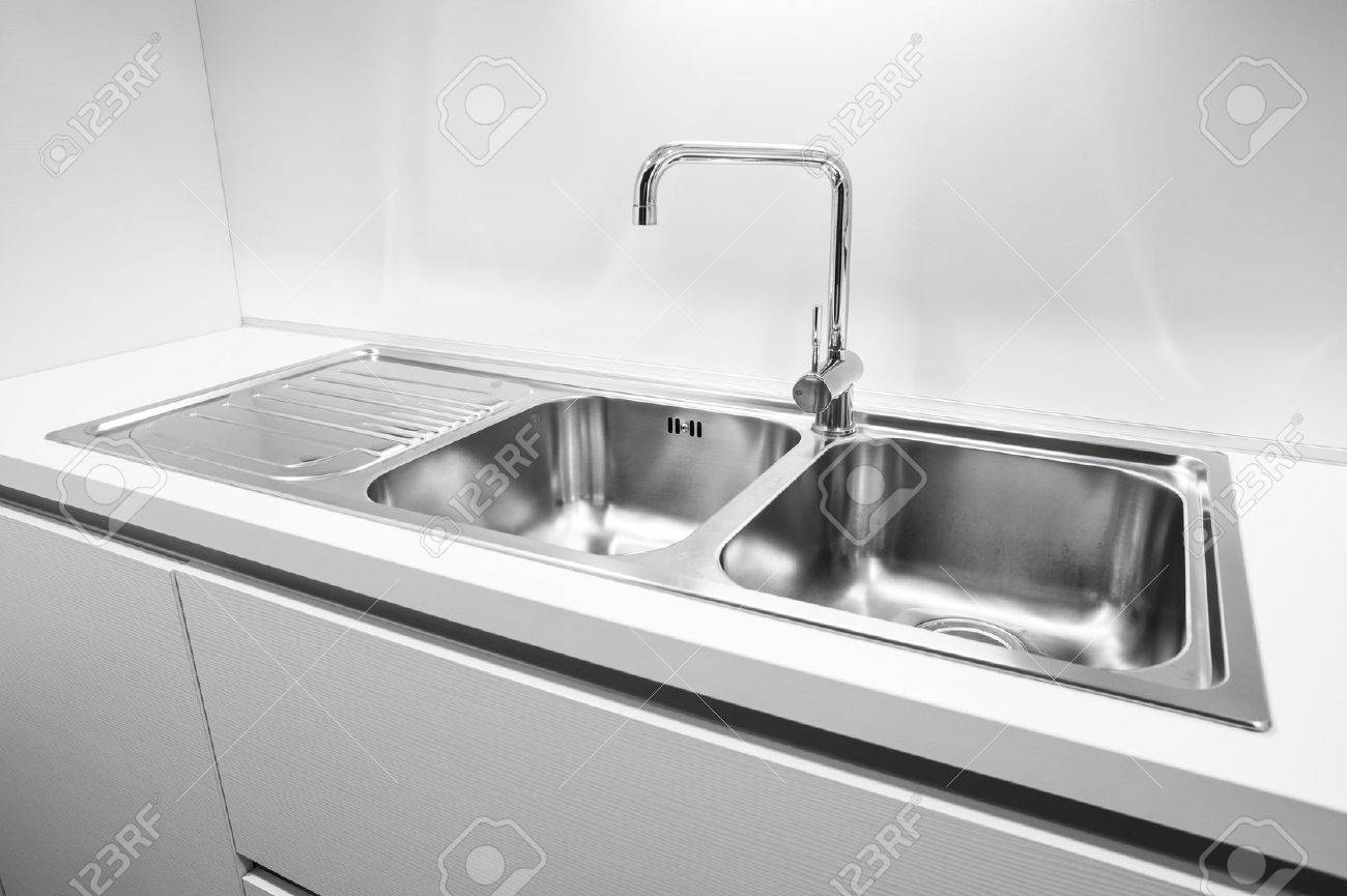 Double Bowl Stainless Steel Kitchen Sink.Double Bowl Stainless Steel Kitchen Sink