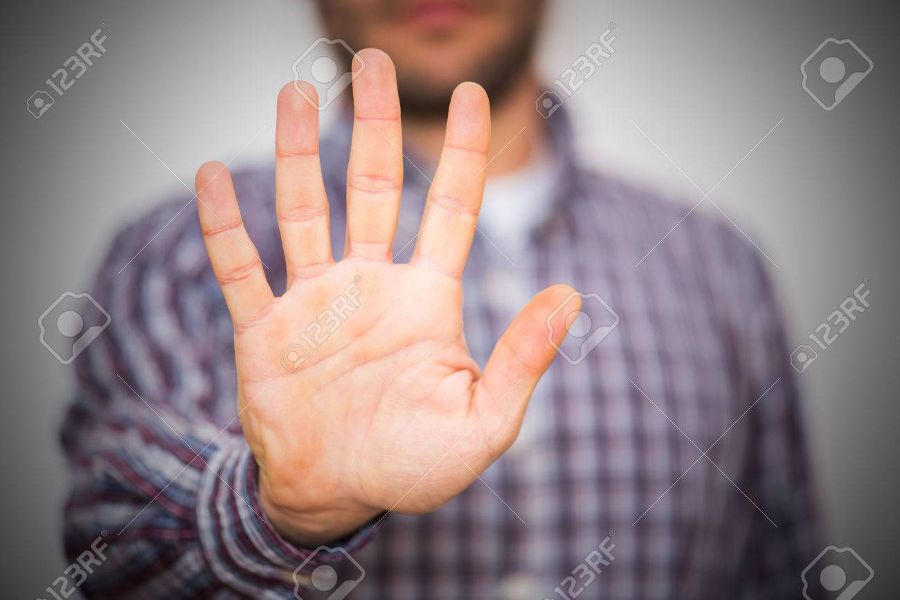 Man gesturing alt or stop with hand - 37346172