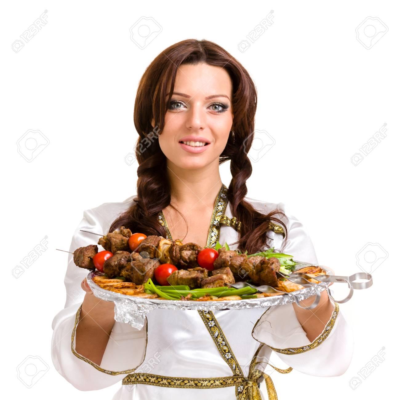 Bella Giovane Donna Prepare Chef E Decorare Piatti Gustosi In Cucina ...