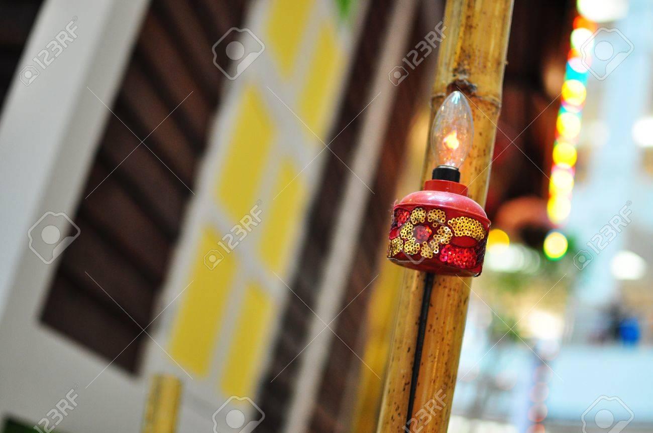 Red Lampe A L Huile Accrochee Maison De Village Au Cours De Hari